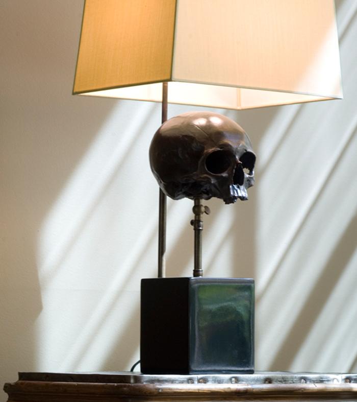 Skull-Lamp_2.jpg