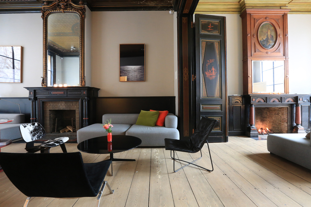 Inspired spaces comfortable minimalism in antwerp for Designhotel antwerpen