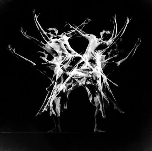 gjon-mili-stroboscopic-image-of-dancer-ethel-butler-of-the-martha-graham-dance-group-1941.jpg