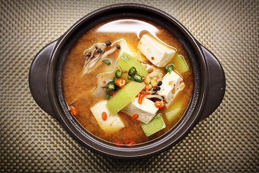 Cheonggukjang (Fermented tofu soup)