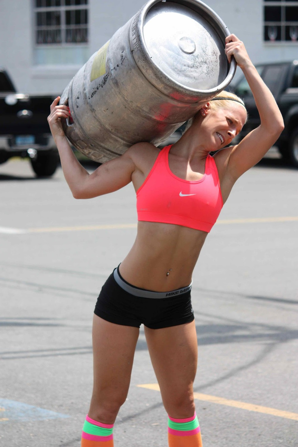 crossfit-girl-beer.jpg