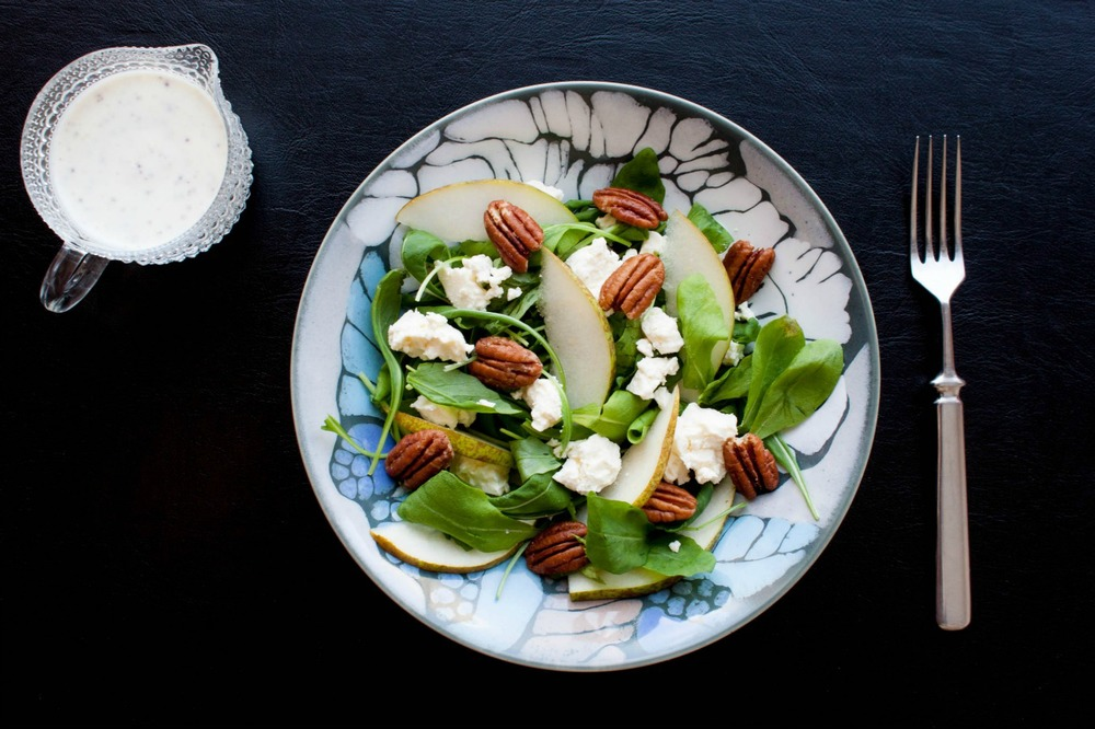 arugula salad with pears, feta & pecans :: my blue&white kitchen