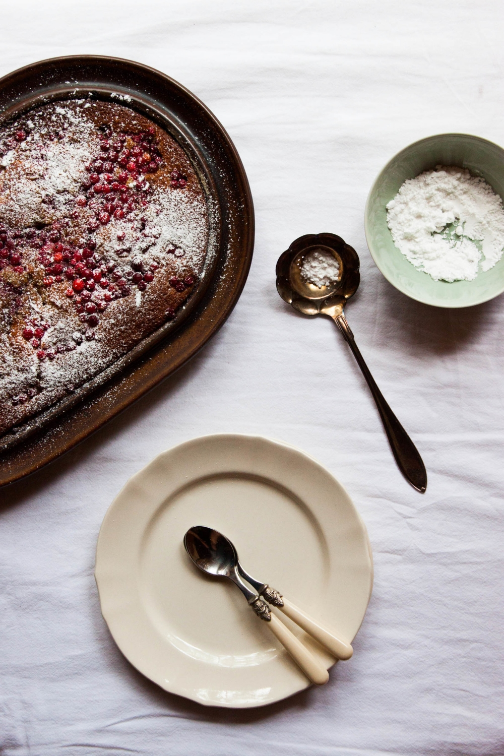 Redcurrant Buttermilk Cake | My Blue&White Kitchen