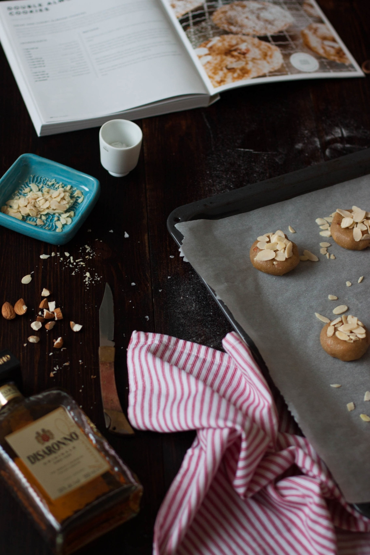 Almond Cookies with Amaretto | My Blue&White Kitchen