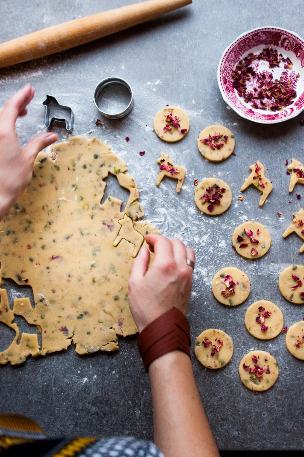 Rose Pistachio Shortbread | My Blue&White Kitchen