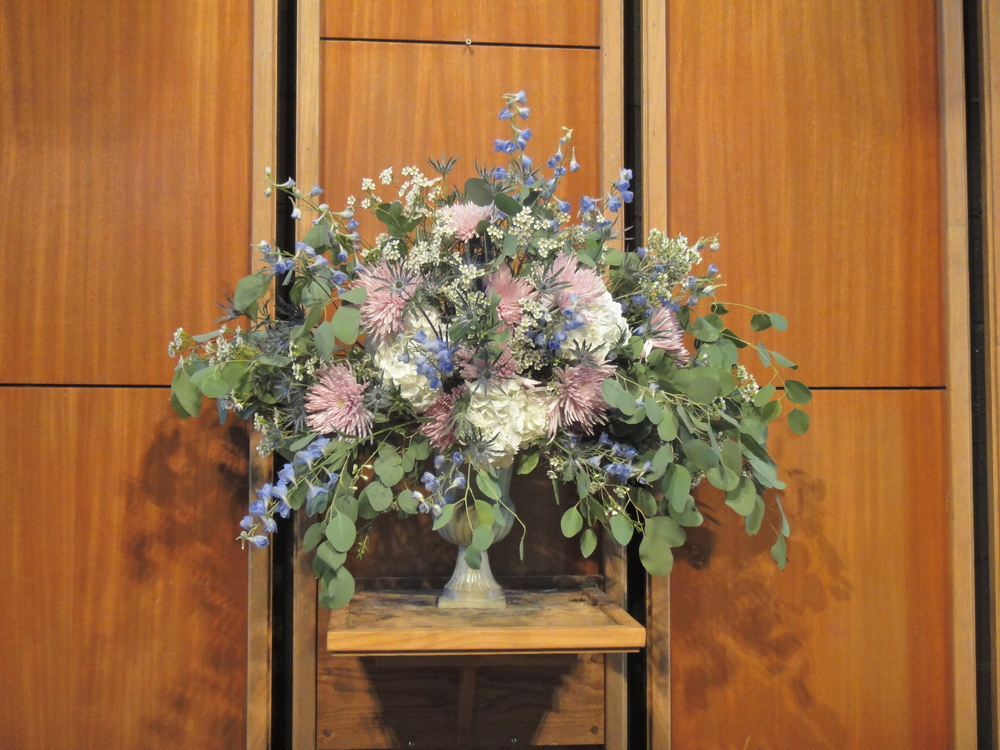 St bartholomew 39 s flower guild rosemary finch floral for Garden arrangement