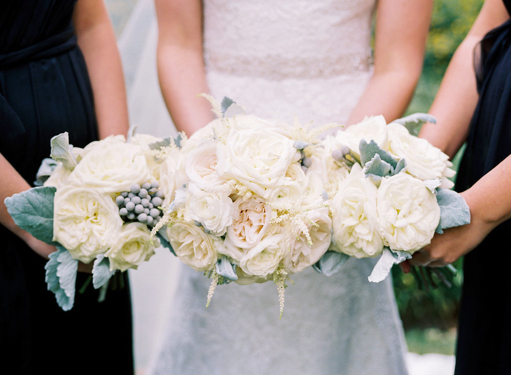 White wedding flowers // Nashville, TN