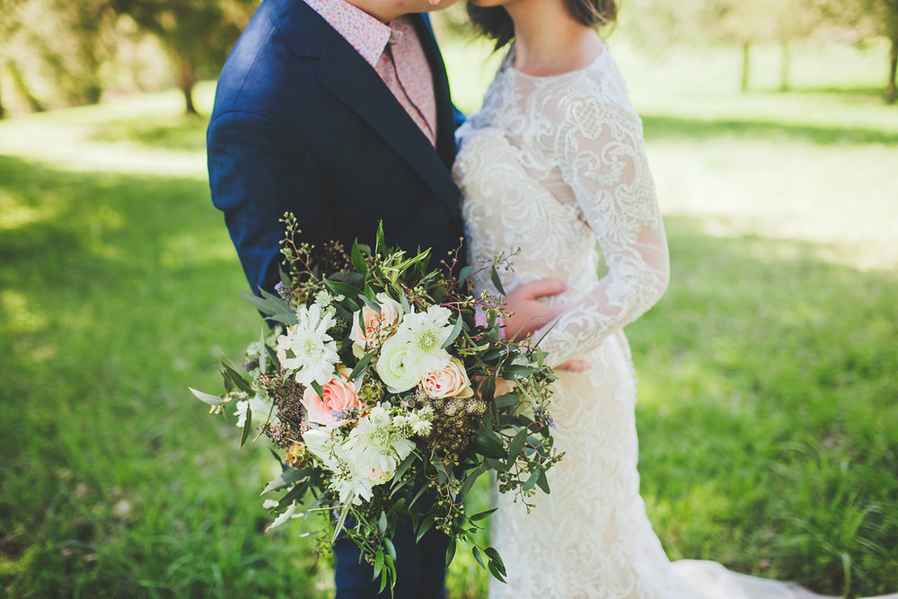 Nashville Wedding Flowers // Organic, loose bride's bouquet