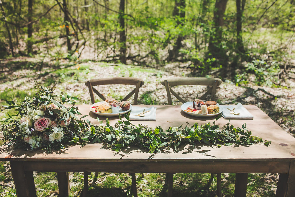 Sweetheart table with garland // Nashville Wedding Flowers