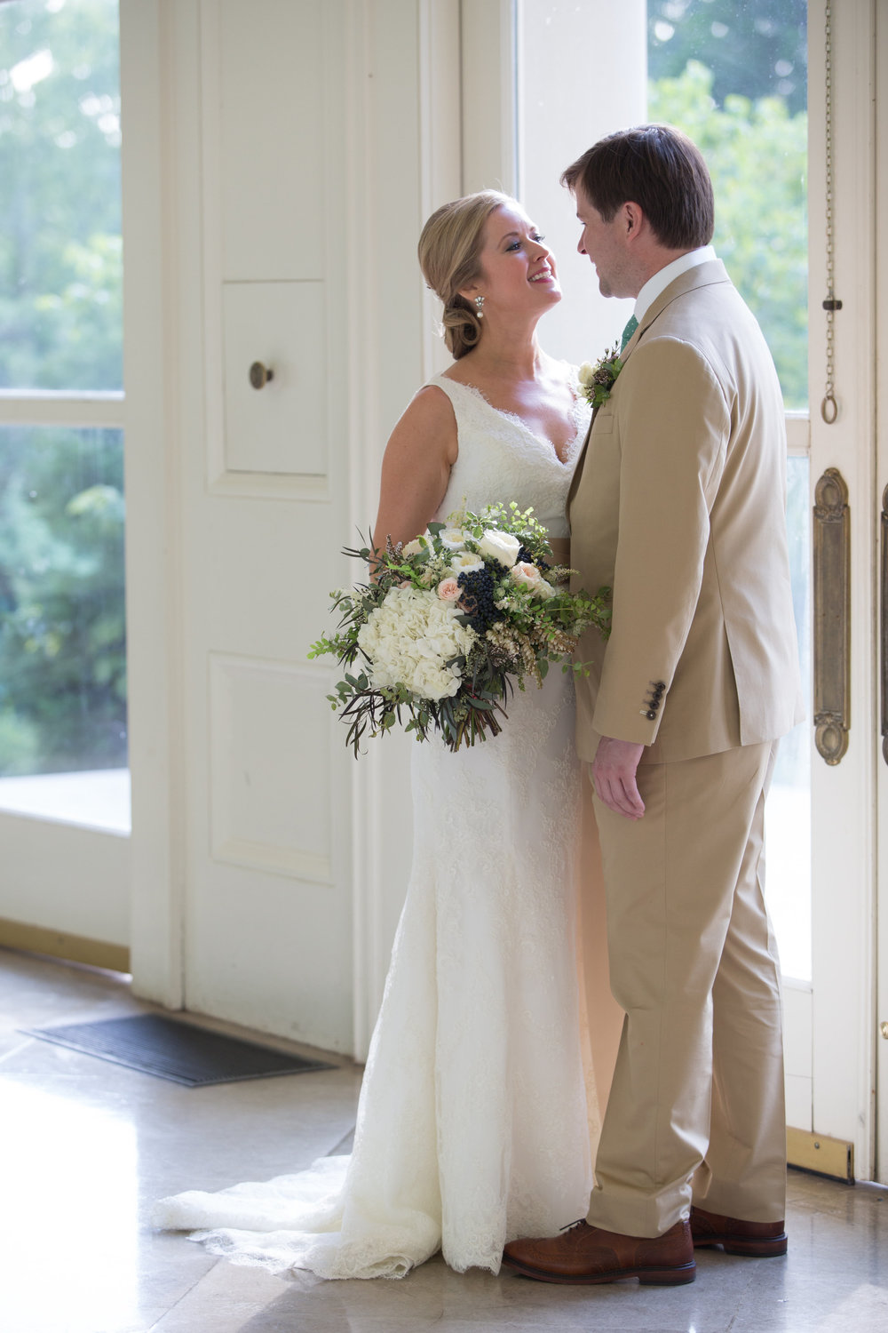 Cheekwood Bride and Groom / Nashville Florist