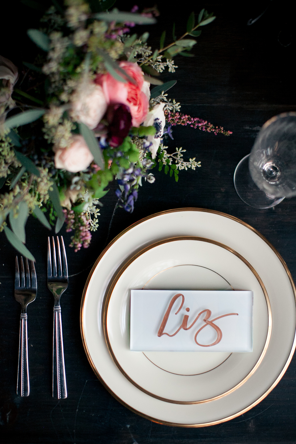 Organic, minimal place setting // Atlanta Wedding Florist