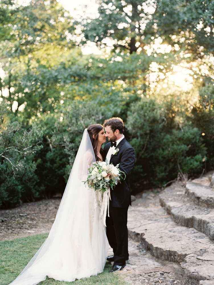 Botanic Garden Wedding with natural, loose floral design // Nashville Destination Wedding Florist
