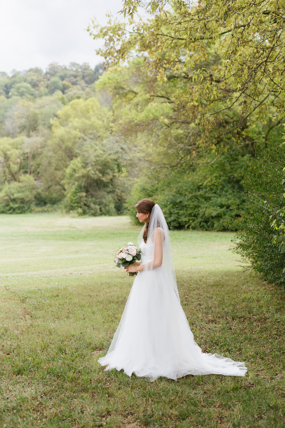 October wedding in the Tennessee Countryside // Organic Floral Design