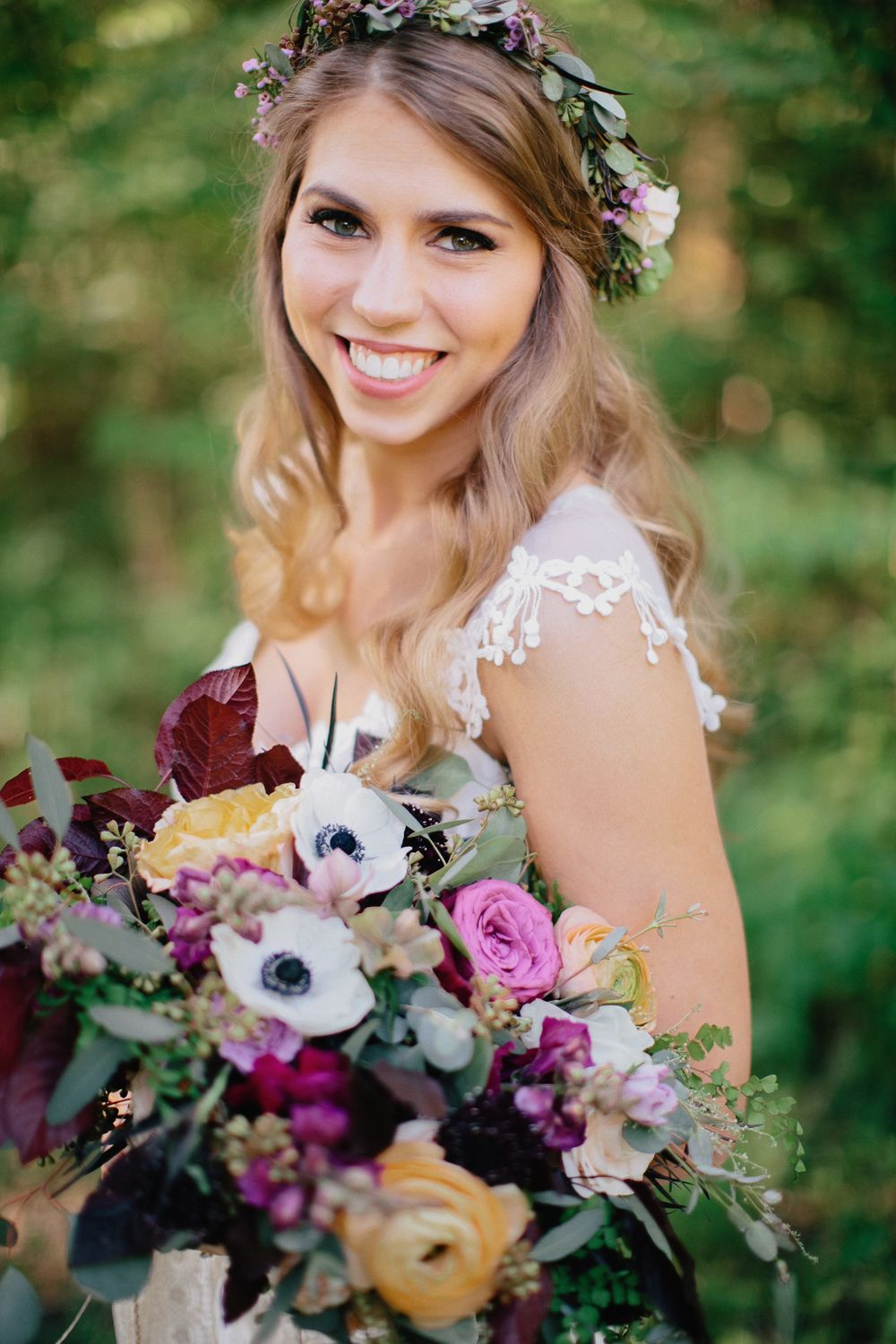 Bohemian bridal style // Nashville Wedding Floral Design