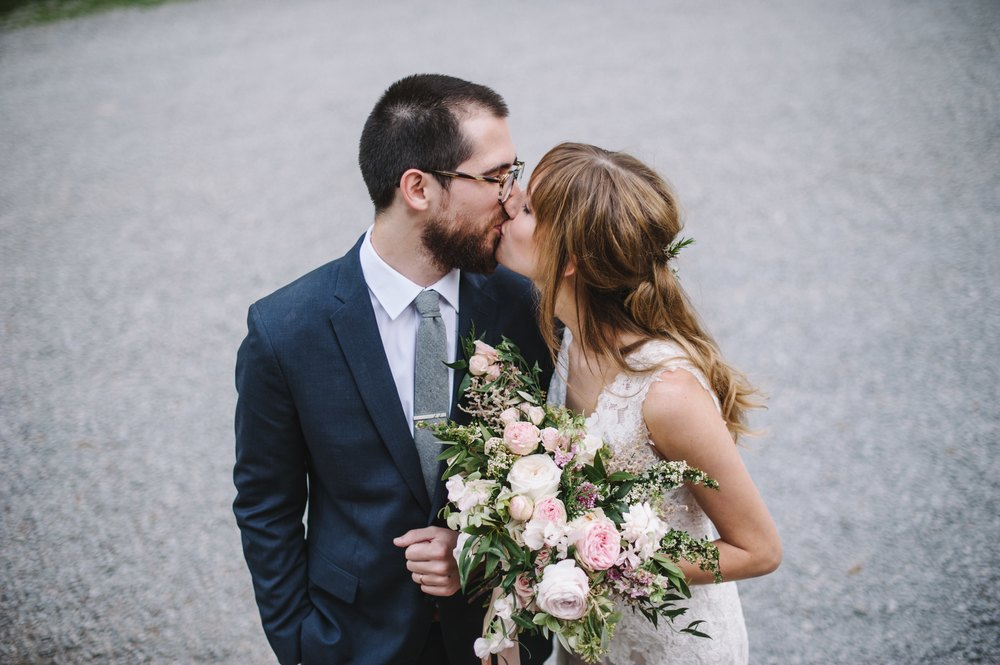 Tennesse Countryside Wedding // Nashville Floral Designer