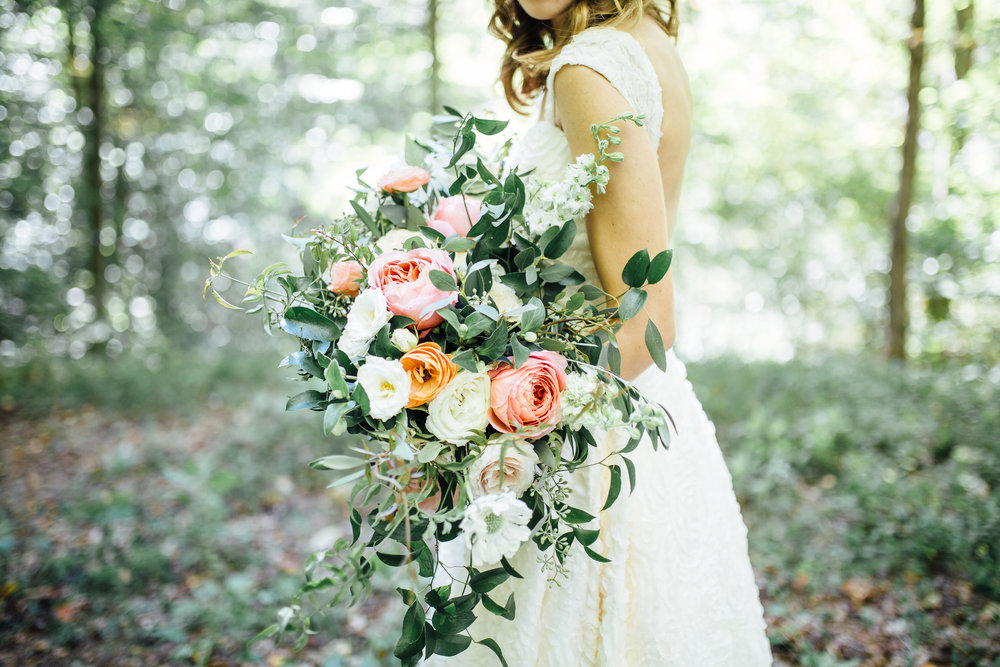 Natural, organic bridal bouquet with garden roses and ranunculus // Southern Wedding Florist