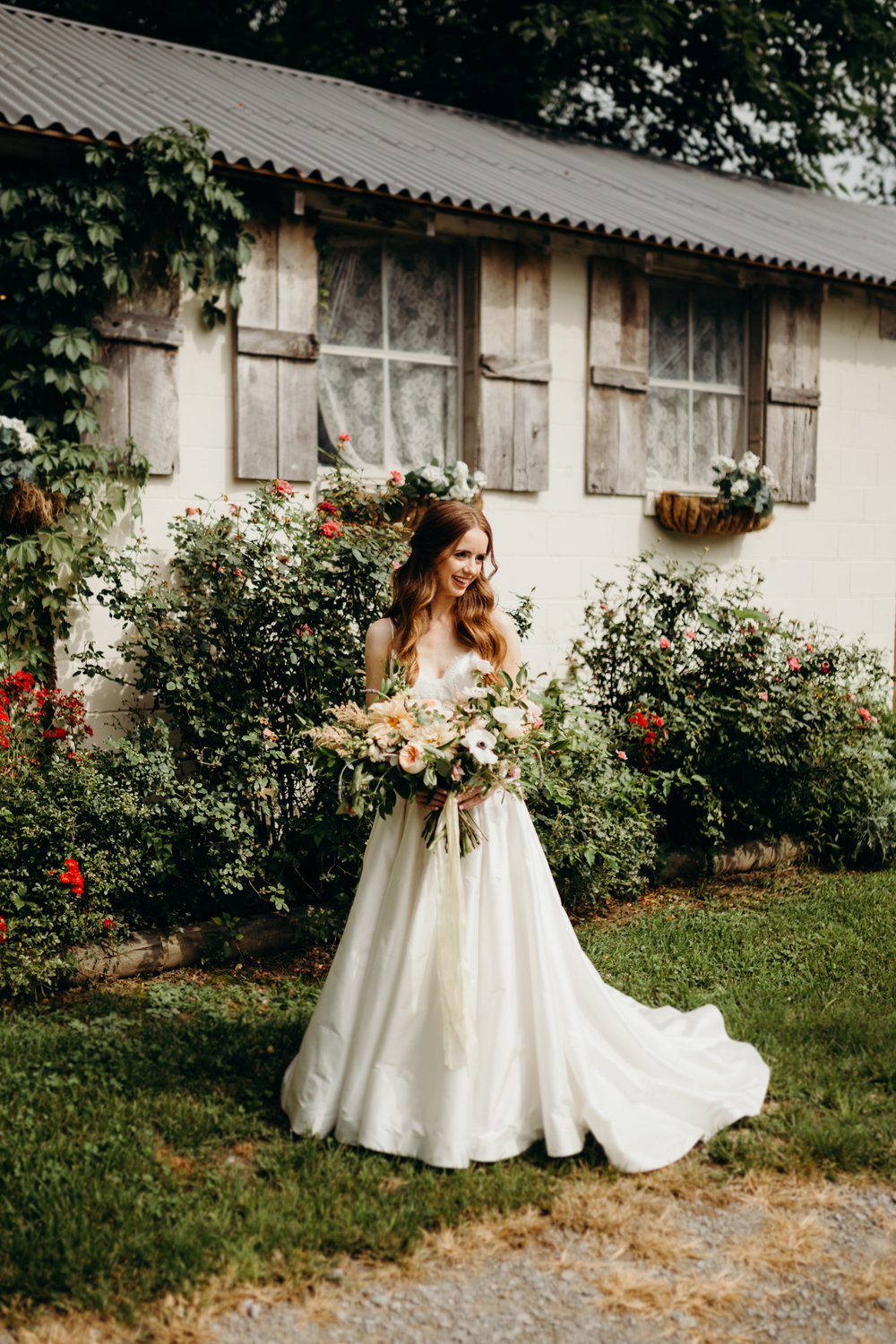 Tuscan inspired bridal portraits // Nashville Wedding Florist