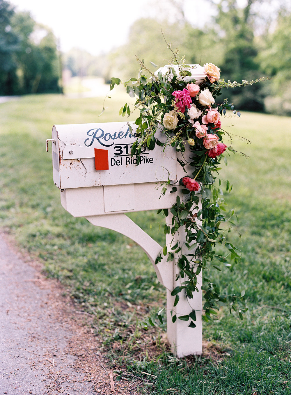 Mailbox florals for an elegant backyard wedding in Franklin, TN