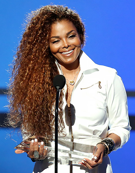 Janet Jackson at the 2015 BET Awards on June 28th. She is wearing her new diamond jewelry collection, a 25 Ct. heart-shape fancy intense yellow diamond necklace.