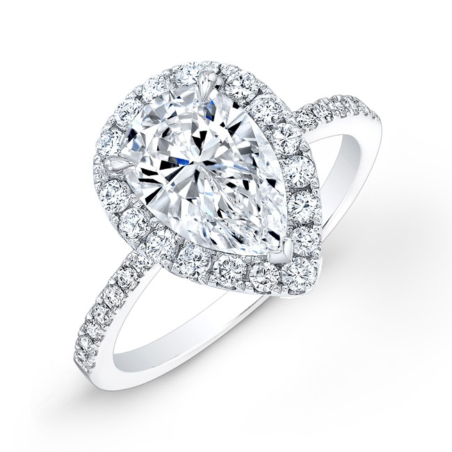 Single Shank Pear Shaped Diamond Engagement Ring with Halo