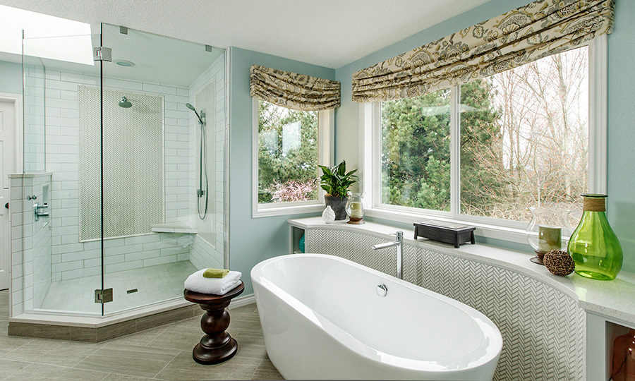 Freestanding bathtub and large shower. Design by JASON BALL  interiors.  Photography by John Valls.