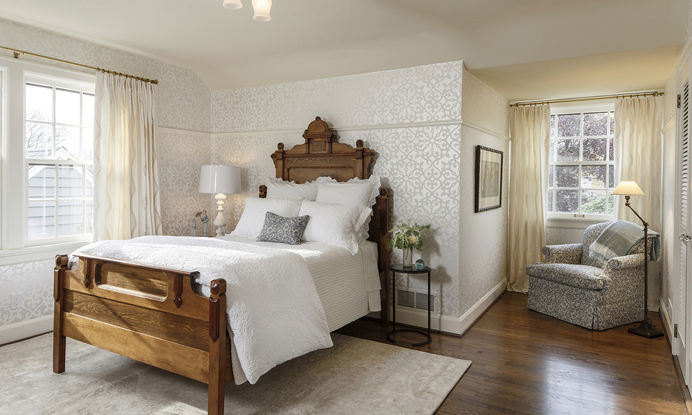Claybourne-guest-bedroom.jpg