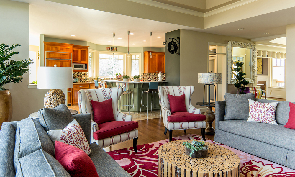 Cooper-Mountain-family-room-kitchen.jpg