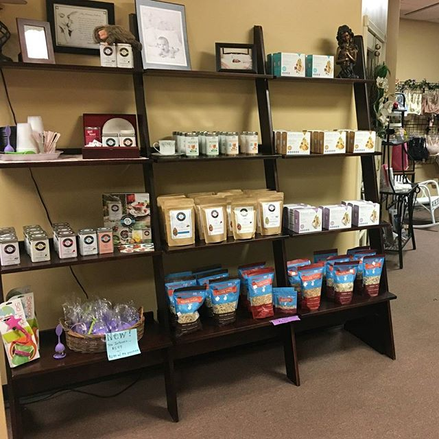 happy Wednesday!  we're featuring another one of our amazing boutique retailers today 👍  Baby's Sweet Beginnings in Lancaster, NY is a privately owned lactation center owned by an IBCLC. what a wonderful resource! 💦💦 from the store -- BSB handpicks every item on our shelves and thrives on a personal shopping experience, experienced and friendly staff and warm and welcoming consultants and instructors.  We are here to serve new and expectant moms and their families!  is BSB your local store? share this post to give them a shout-out today!  #shopsmall #shoplocal #smallbusiness #breastfeeding  #lancasternewyork #newyork @lancasternewyork