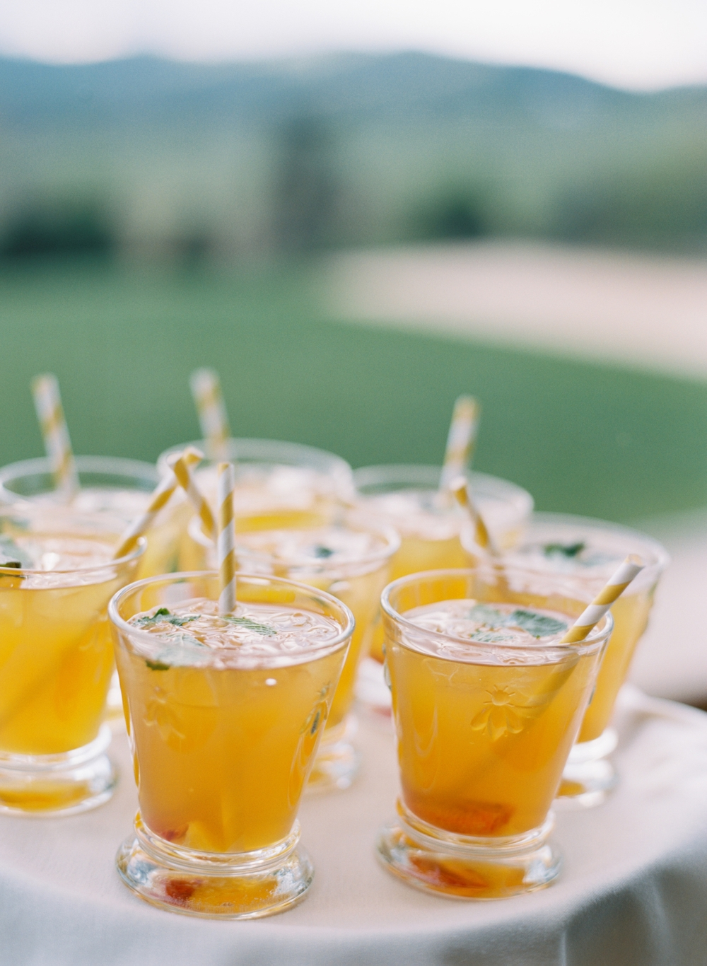 signature-yellow-wedding-drink