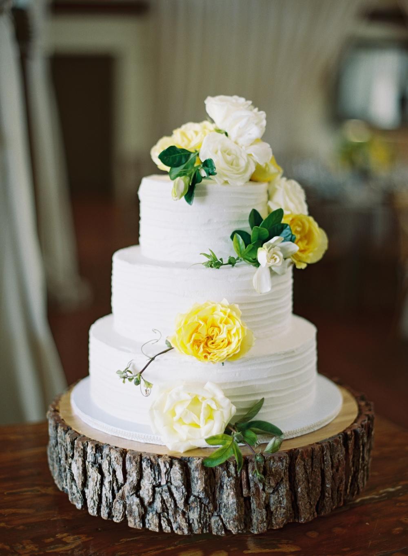 yellow-white-simple-wedding-cake
