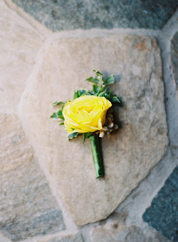 yellow-wedding-boutonniere