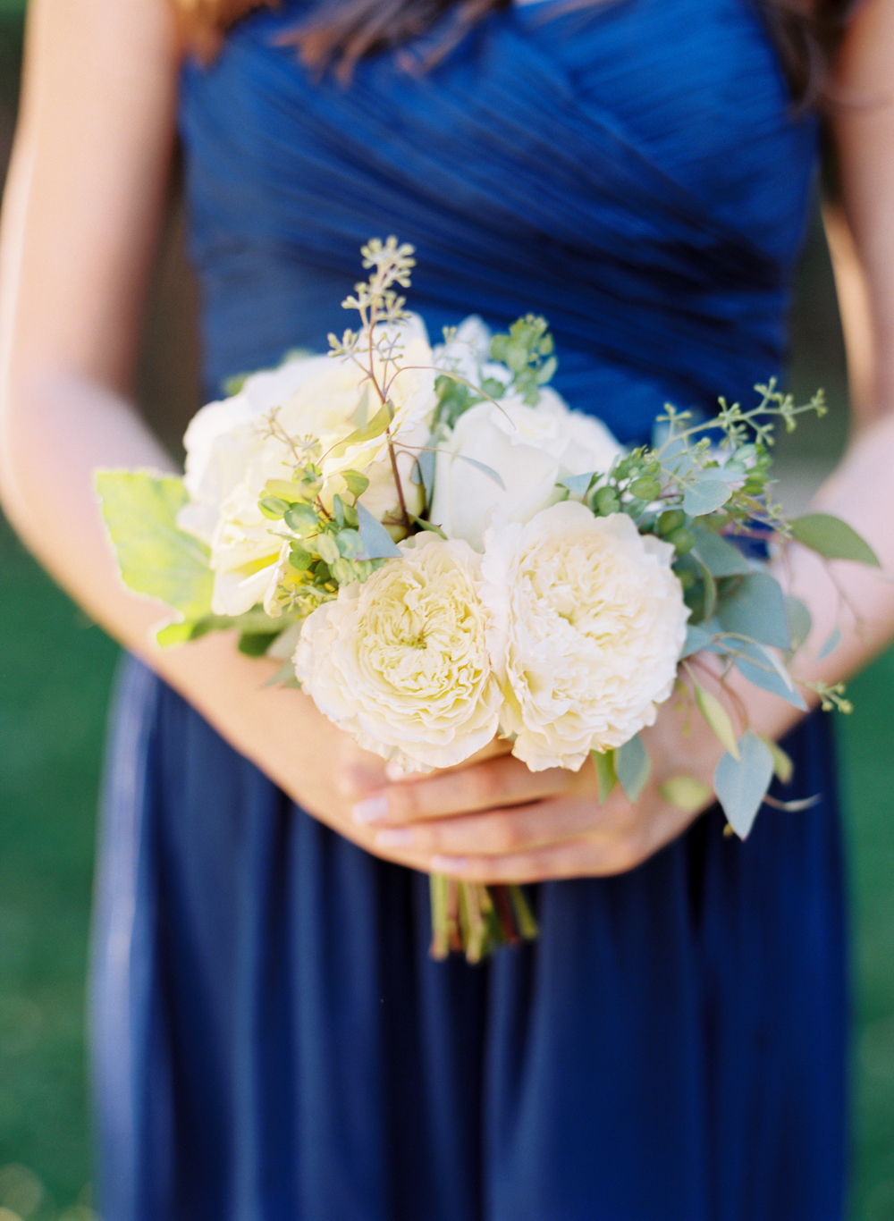 white and blue wedding ideas bouquet