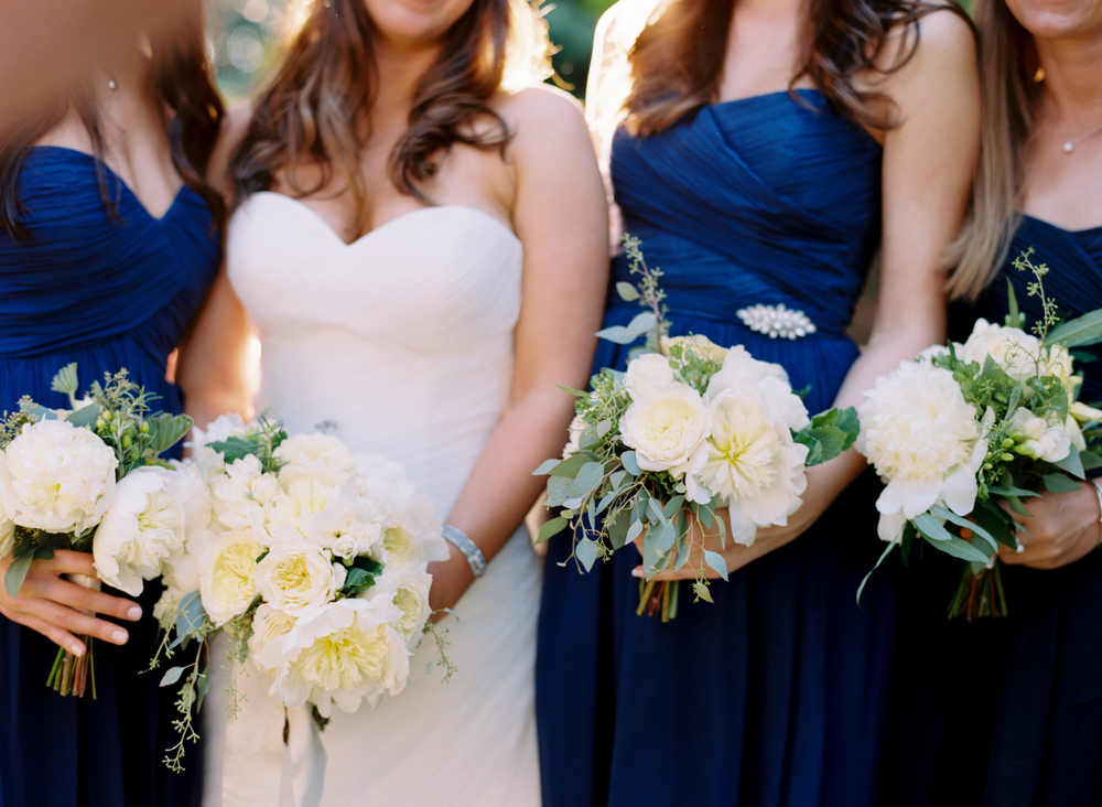 blue and white wedding ideas bridesmaid dresses