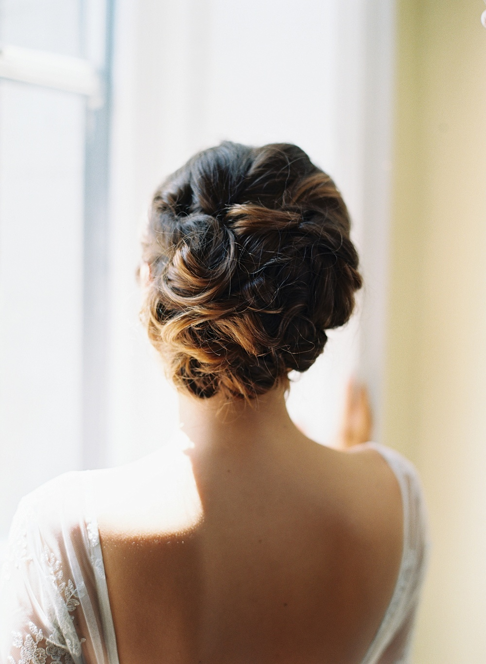 bride-wedding-hair-brown