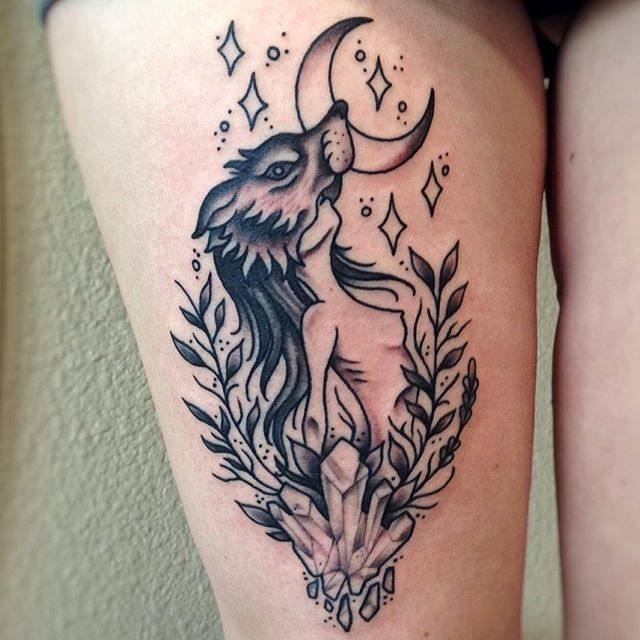 Fun lil tattoo I did for @kaylenaanderson thanks again! 🌙🐺✨