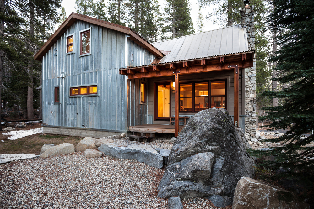 Sierra cabin atmosphere design build for Rustic siding ideas