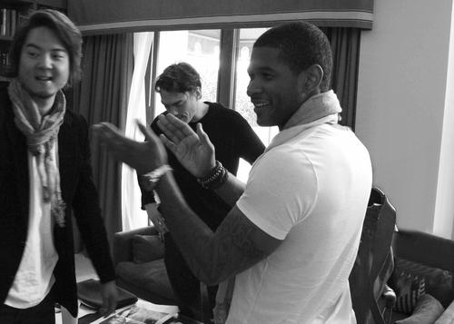 Usher vip howl group usherg m4hsunfo