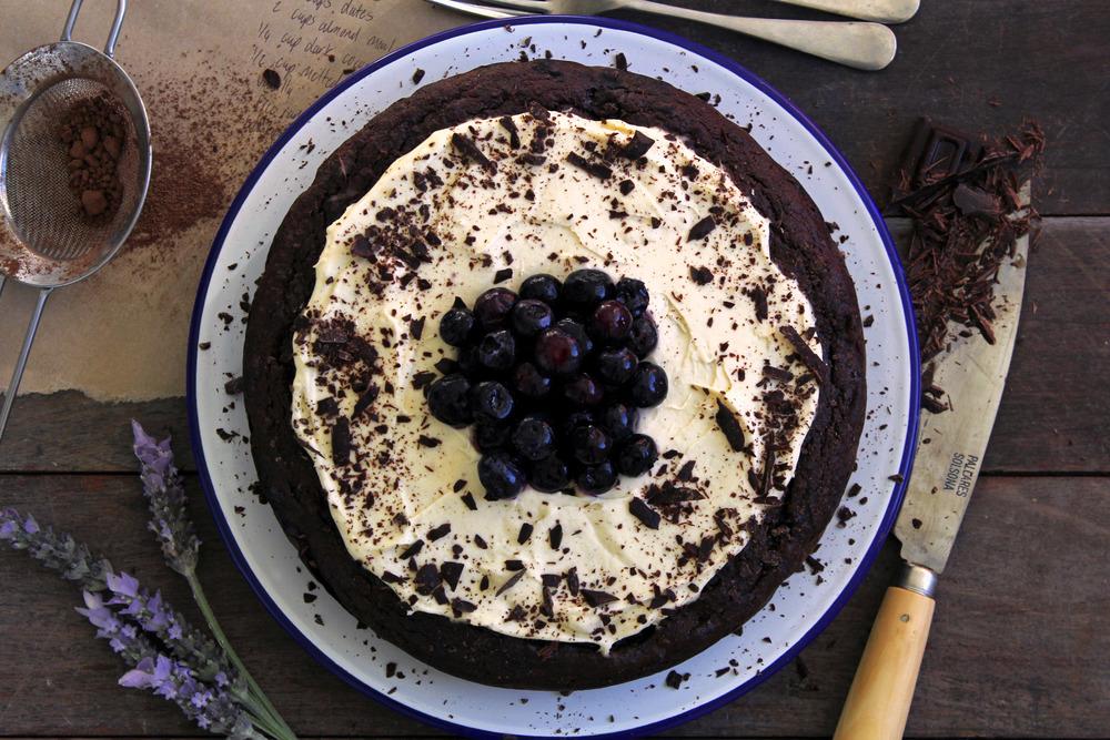 Gluten free blueberry & dark chocolate cake