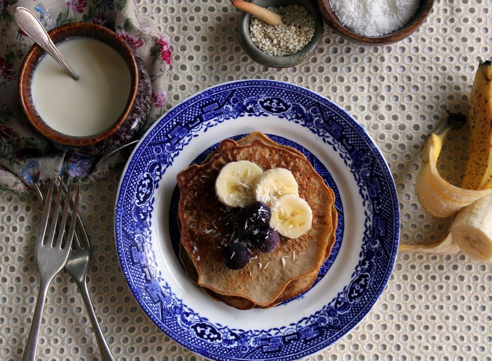 No sugar banana buckwheat pancakes w/ vanilla bean