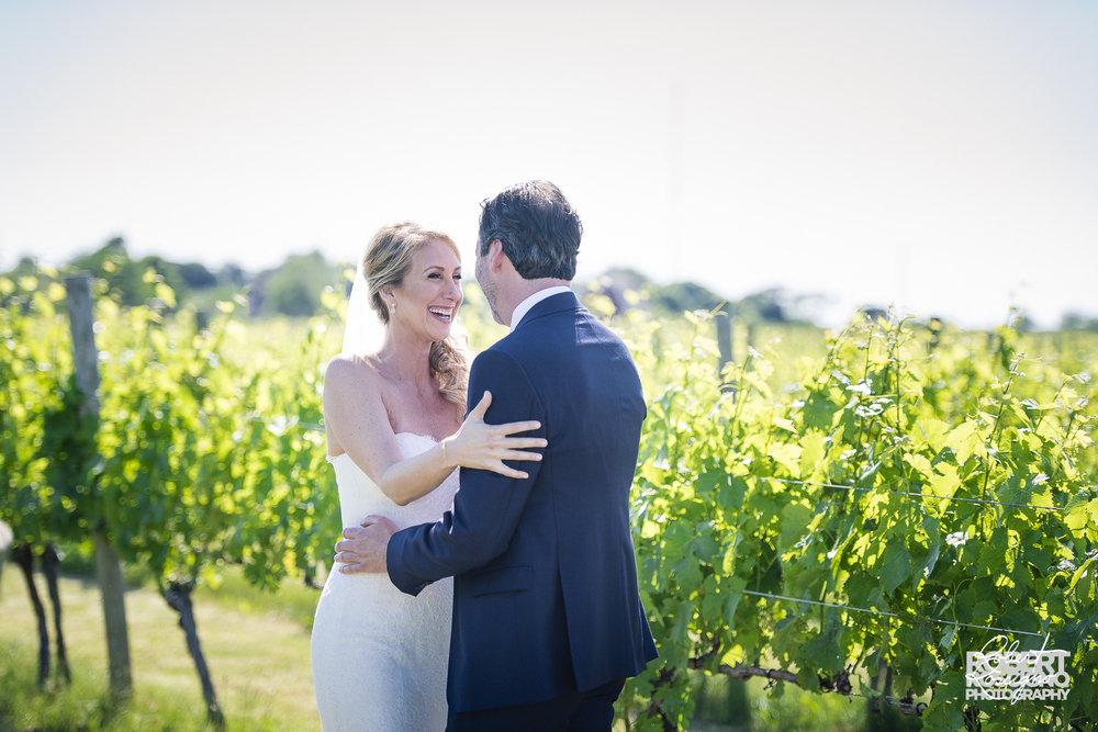 macari-vineyards-wedding-robert-roscigno-photography-firstlook-long-island-4