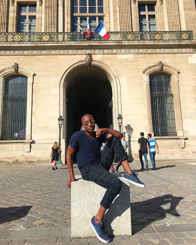 _______ in Paris 🇫🇷