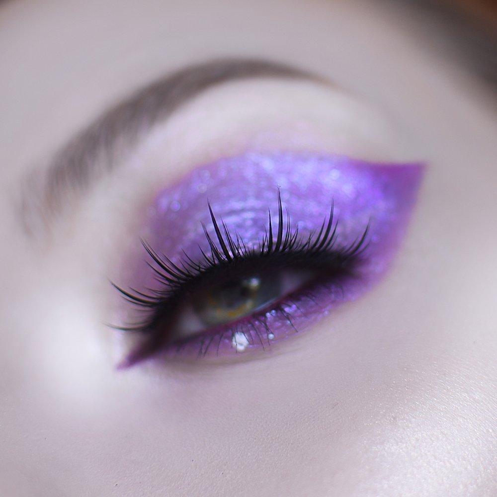 Paradox lashes in focus