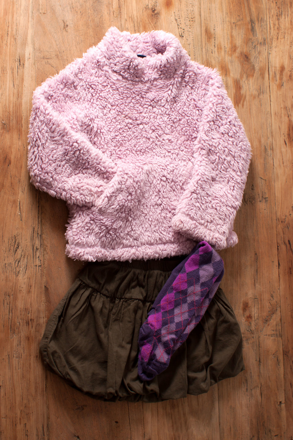 Image includes Mini Boden lavender sorbet fuzzy pullover. 3/4 years. $8.95.