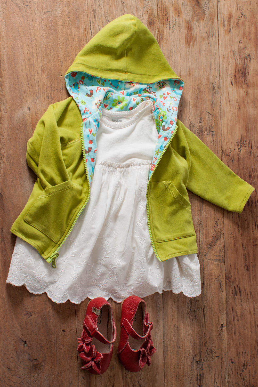 Image includes NEW Baby Gap cream lace dress. Size: 6-12 months. $8.50