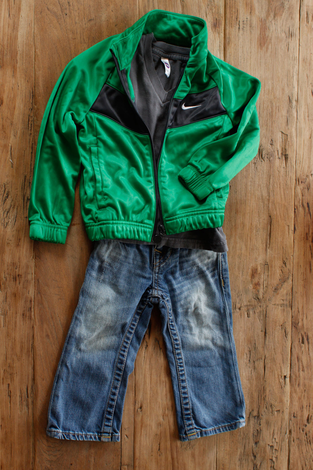 Image includes Boys Nike sports jacket. Size: 2T $6.50.