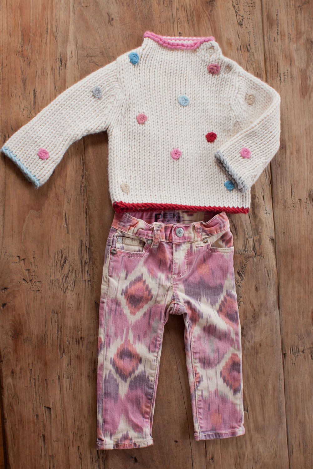 Image includes Girls Gap chunky sweater. Size: 6-12 months. $8.50.