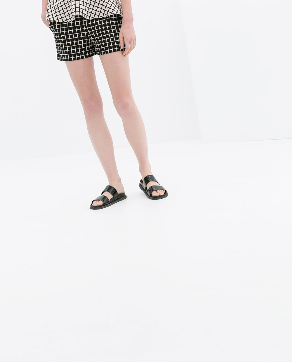 Checked shorts. Zara. $59.90