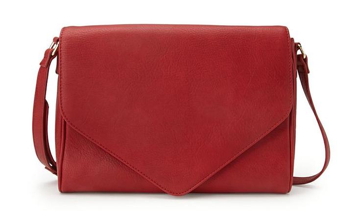 Everyday Envelope cross body bag. Available black, red. Forever 21. $19.80.