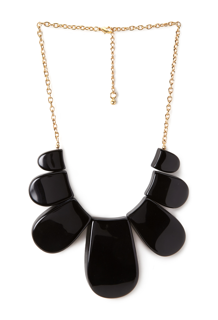 Daring scalloped bib necklace. Forever 21. $9.80.