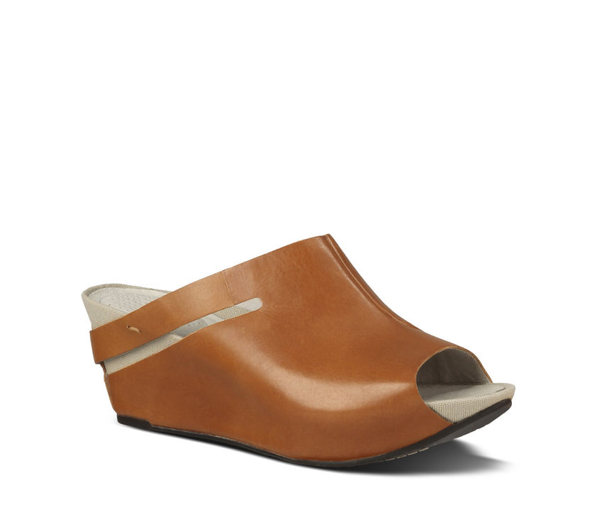Tsubo Ovid. Available at Tsubo in natural or at Nordstrom in  black ,  putt.   Tsubo price: $140. Nordstrom price: $139.95.